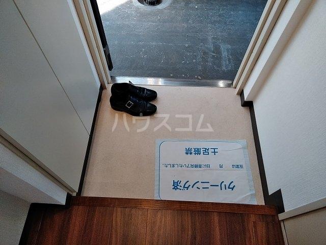 ピュアシティ東神奈川 702号室の玄関