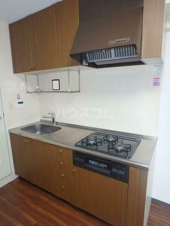 ピュアシティ東神奈川 702号室のキッチン