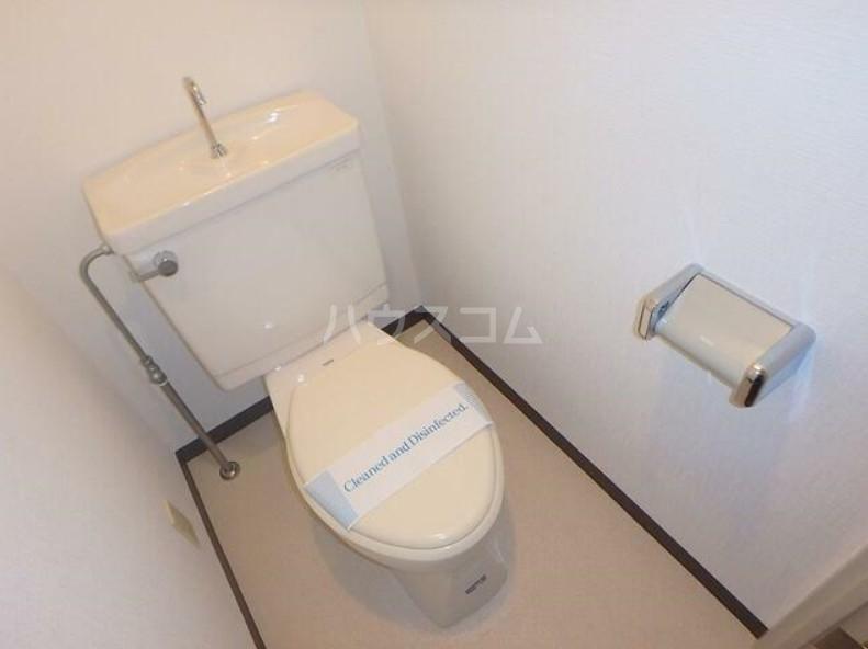 ピュアシティ東神奈川 702号室のトイレ