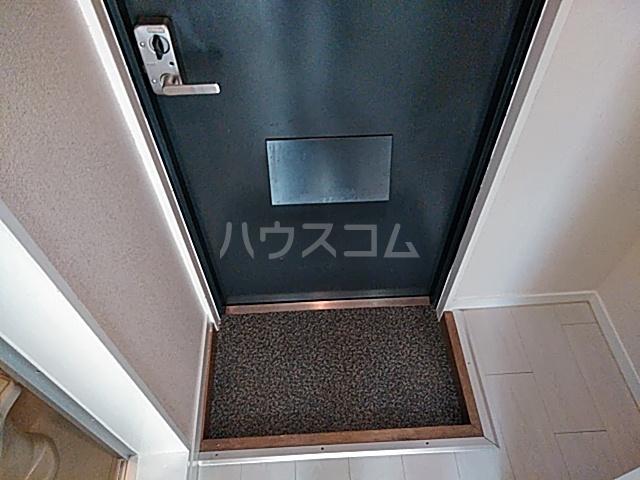 クレアコート 102号室の玄関