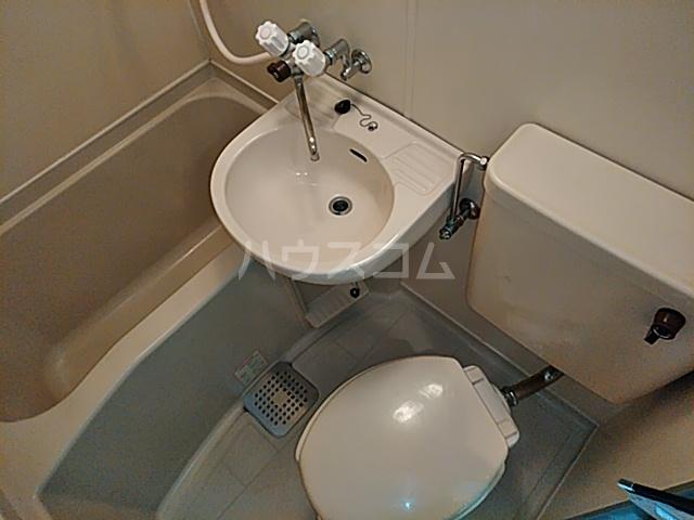 クレアコート 102号室の洗面所