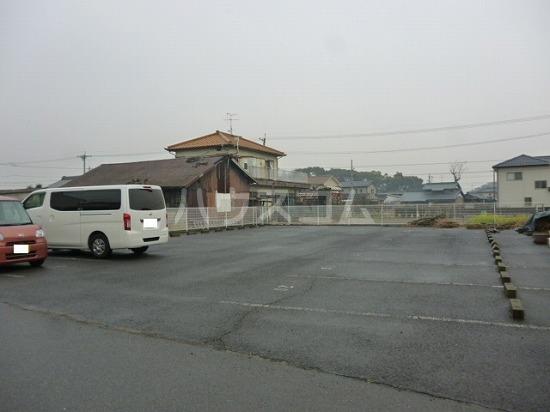 カメラートAの駐車場