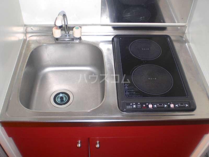 レオパレスKOTOBUKI Ⅱ 104号室のキッチン