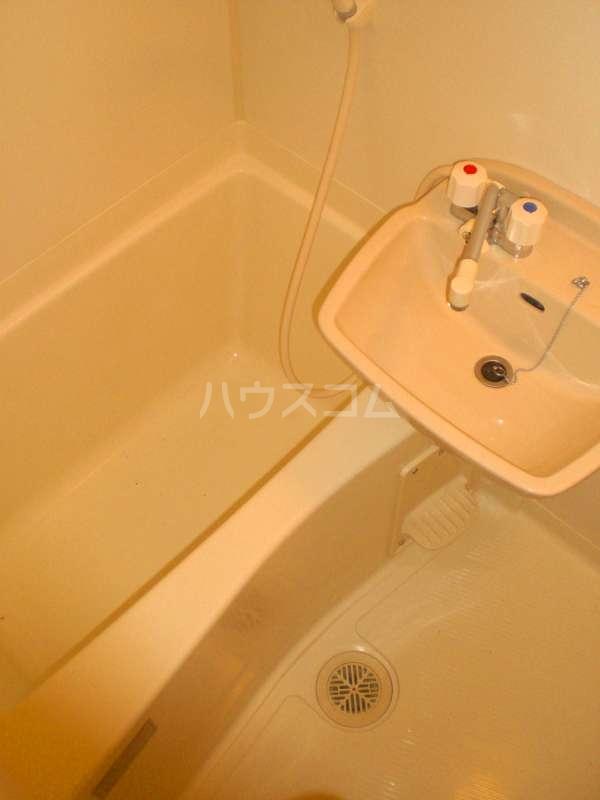 レオパレスKOTOBUKI Ⅱ 104号室の風呂