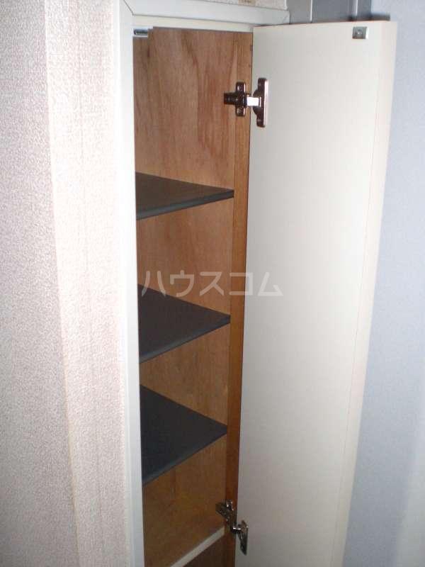 レオパレスKOTOBUKI Ⅱ 104号室の収納