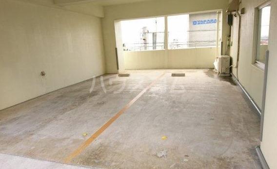 トーマス大山 302号室の駐車場
