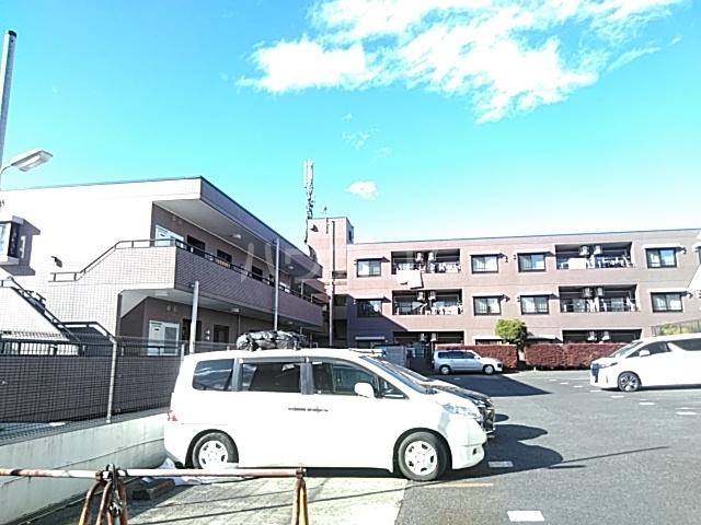 パルナスG 101号室の駐車場