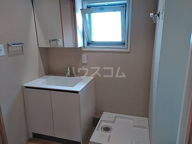 ハイネス赤羽 5号室の洗面所