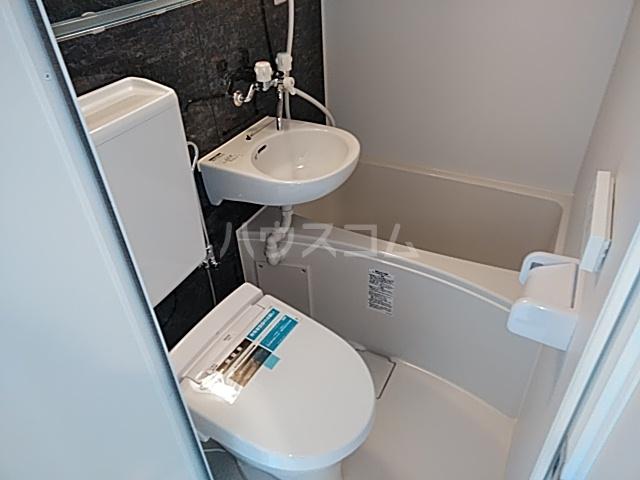 ユナイト大島デービス・ラブ 101号室の風呂