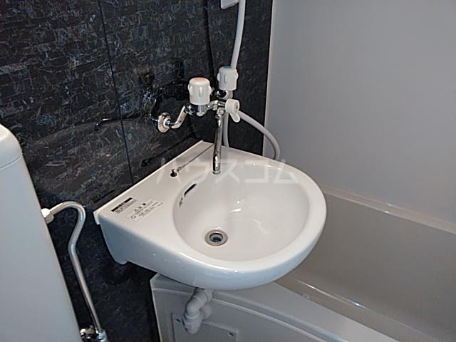 ユナイト大島デービス・ラブ 101号室の洗面所