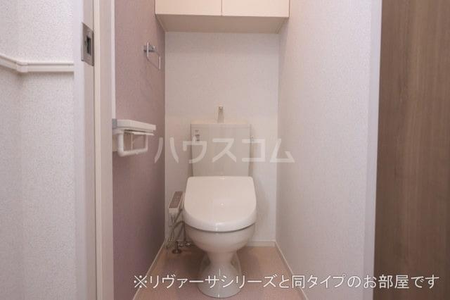 モン スゥリール 02010号室のトイレ