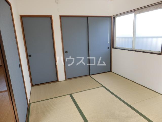 レイクサイド渚 201号室のベッドルーム