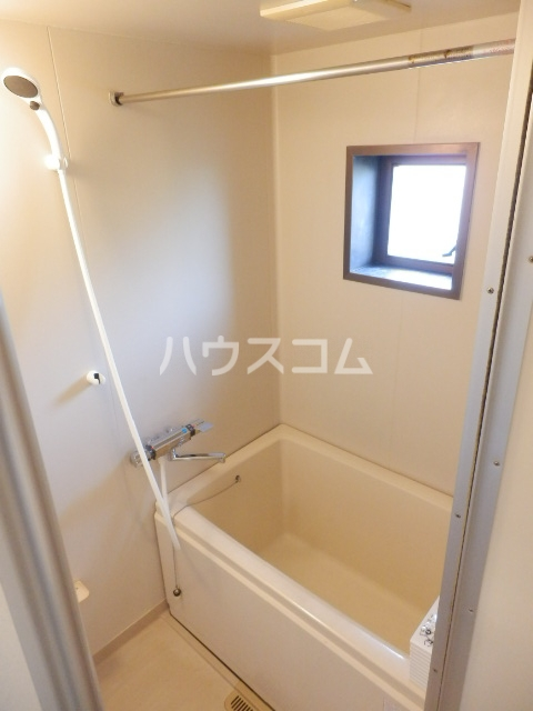 レイクサイド渚 201号室の風呂