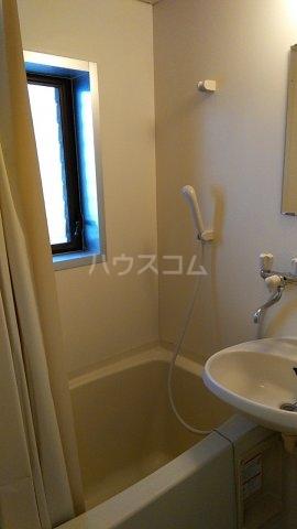 ヴィラ元木 105号室の風呂