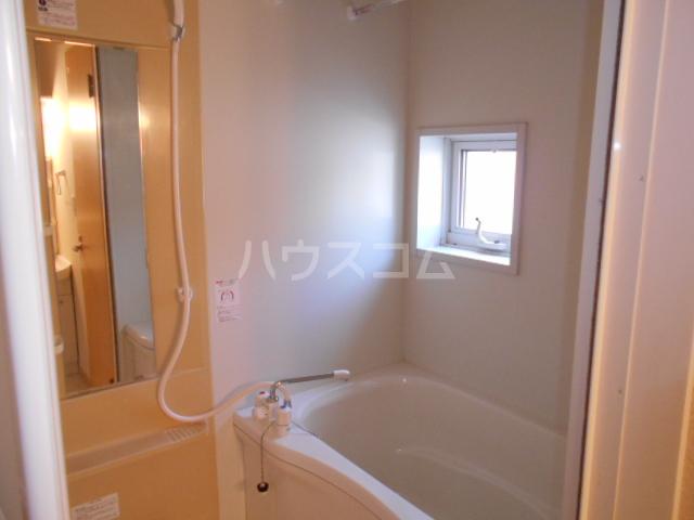 フィオーレ 1-202号室の風呂