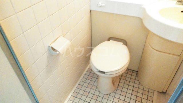 メゾン豊中パート22 303号室のトイレ