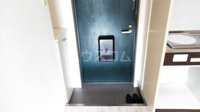 メゾン豊中パート22 303号室の玄関