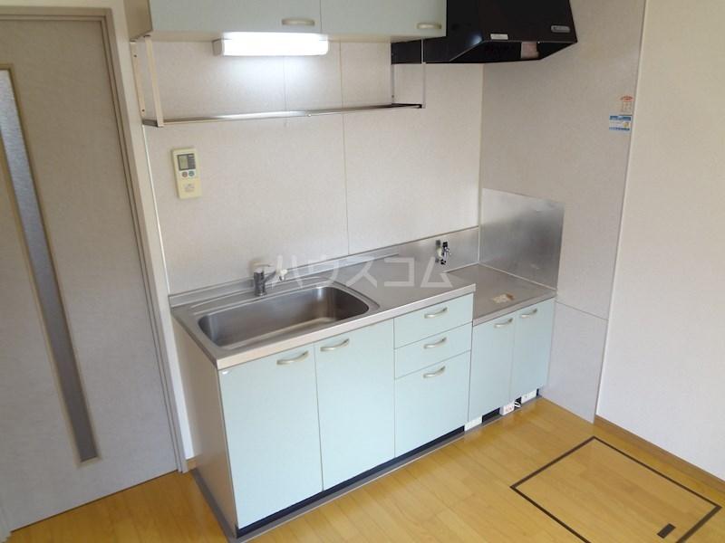 スクエアー仲畑 B205号室のキッチン