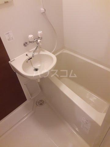 KAツルミ 101号室の風呂