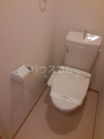 KAツルミ 101号室のトイレ