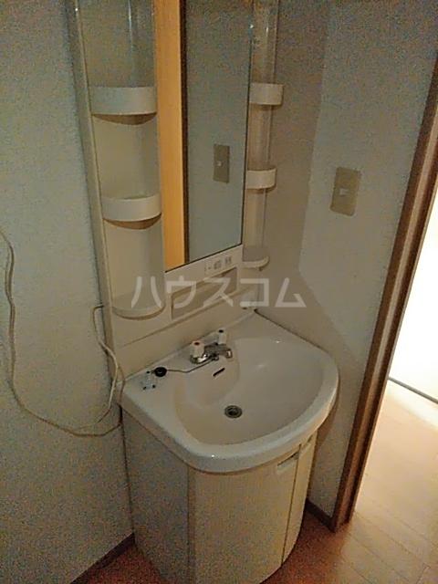カトレアハイム B 105号室の洗面所