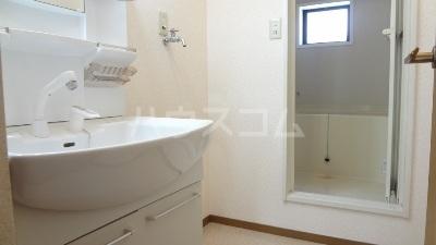 ウィンズリガロ 101号室の洗面所