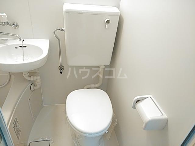 モナークマンション武蔵新城第2 319号室のエントランス