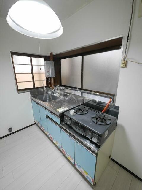 コーポラスN 101号室のキッチン
