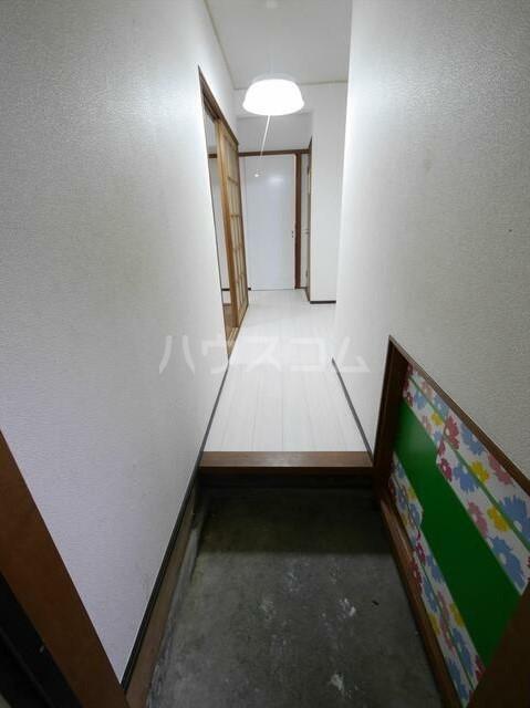 コーポラスN 101号室の玄関