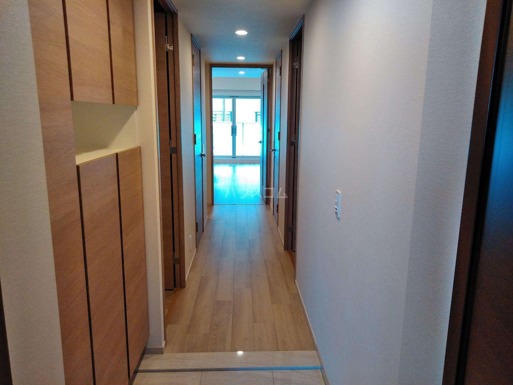ザ・パークハウス岐阜 202号室の玄関
