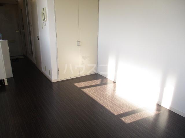 エステートピアグリーン 207号室のリビング