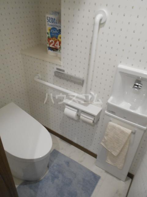 百道グロリアス 402号室のトイレ