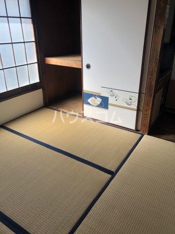 島田荘 2号室の居室