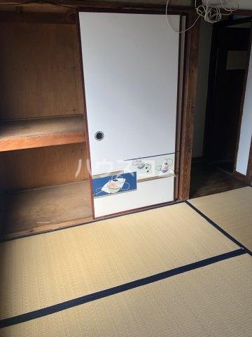島田荘 2号室のリビング