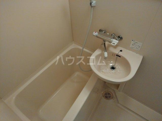 CYNTHIAFOUR-D GOTANDA-WEST 805号室の風呂