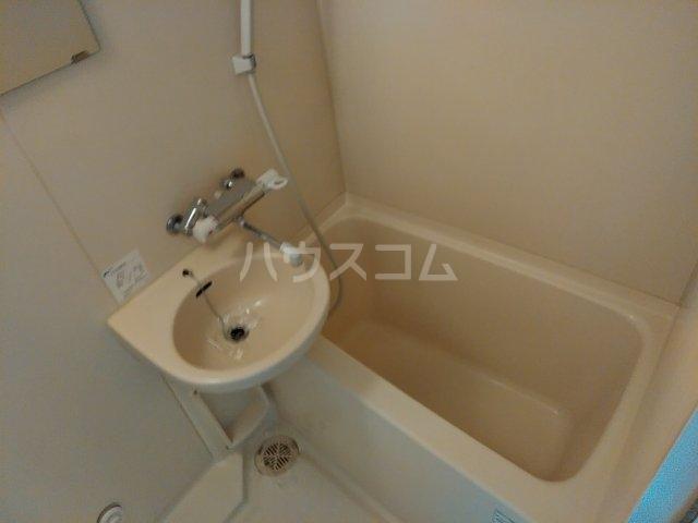 CYNTHIAFOUR-D GOTANDA-WEST 1102号室の風呂