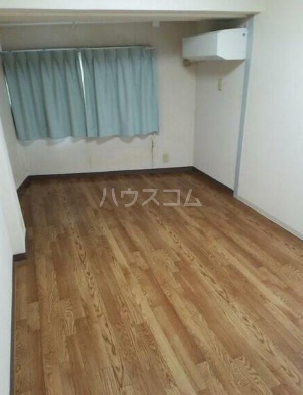 ライオンズマンション駒沢 504号室の居室