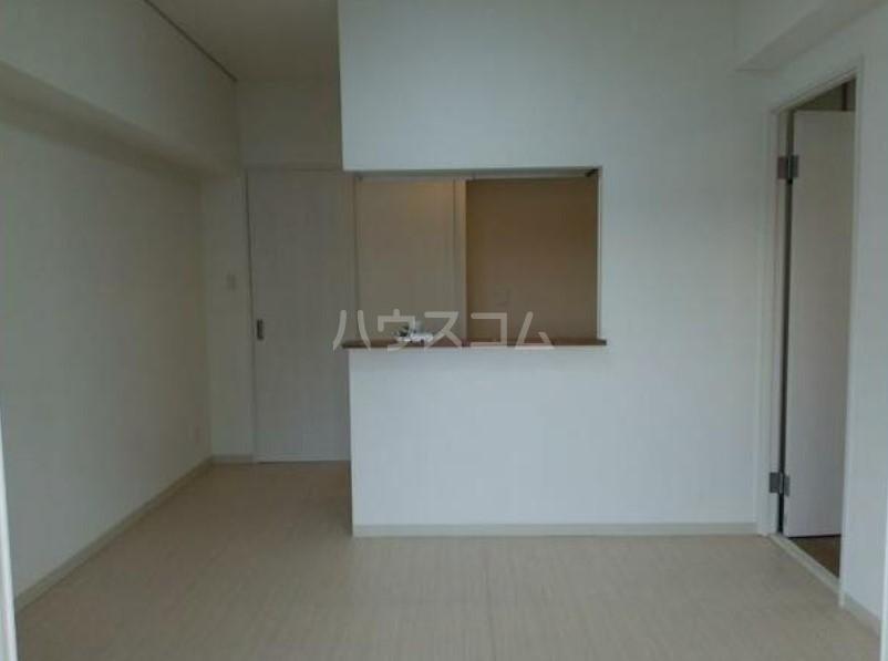 ライオンズマンション駒沢 504号室のリビング