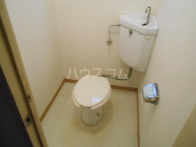 丸萬ビル 6C号室のトイレ