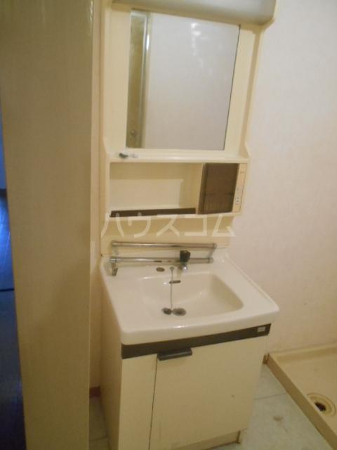 丸萬ビル 6C号室の洗面所