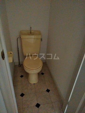 オークヴィラ一番館 103号室のトイレ