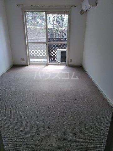オークヴィラ一番館 103号室のリビング