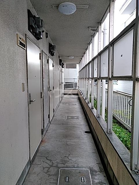 ビバリーハウスⅡ 102号室のロビー