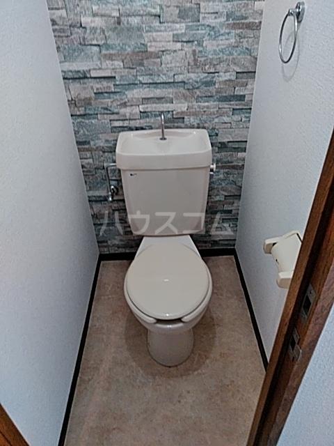ビバリーハウスⅡ 102号室のトイレ