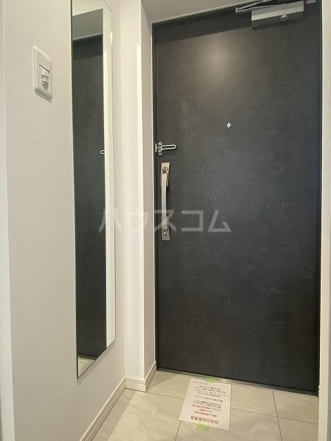 ティモーネグランデ立川 503号室の玄関