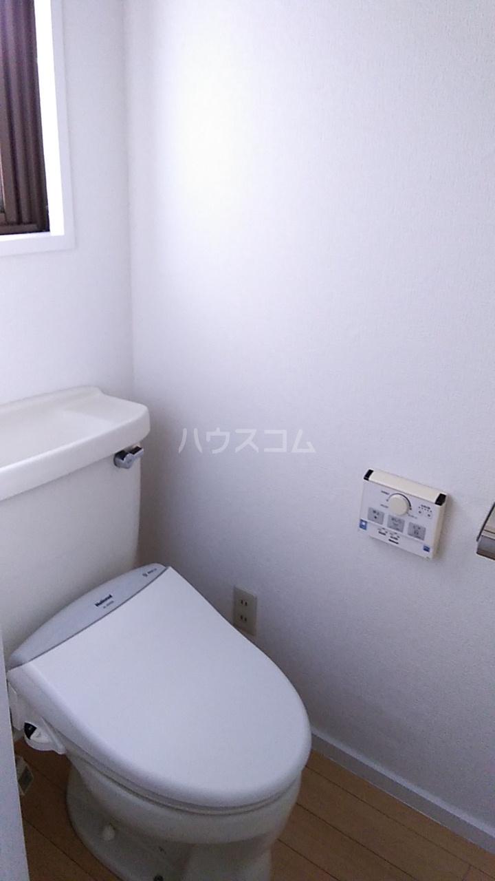 亀谷マンション 102号室のトイレ