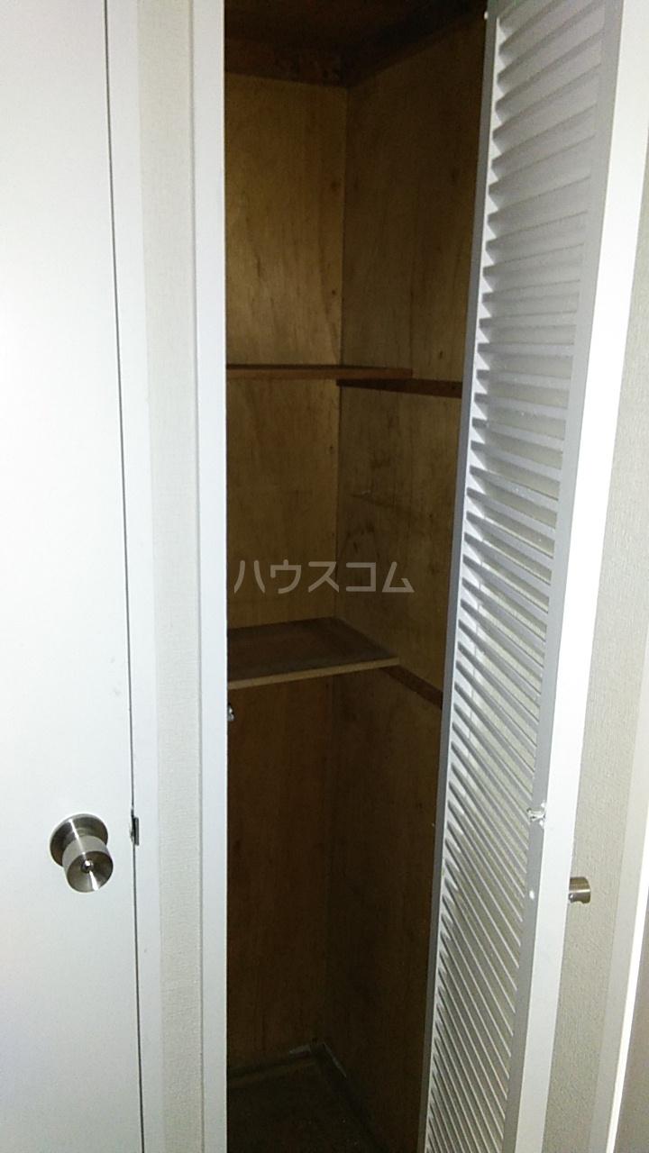 亀谷マンション 102号室の収納