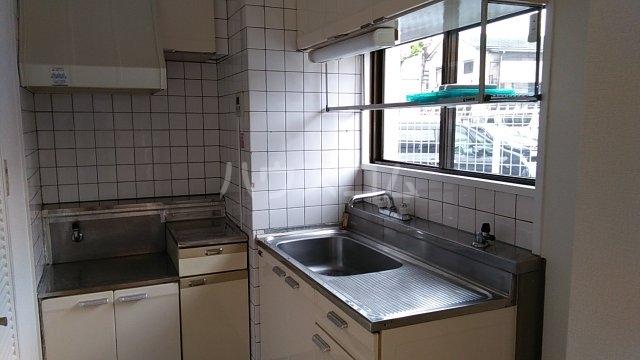 亀谷マンション 102号室のキッチン