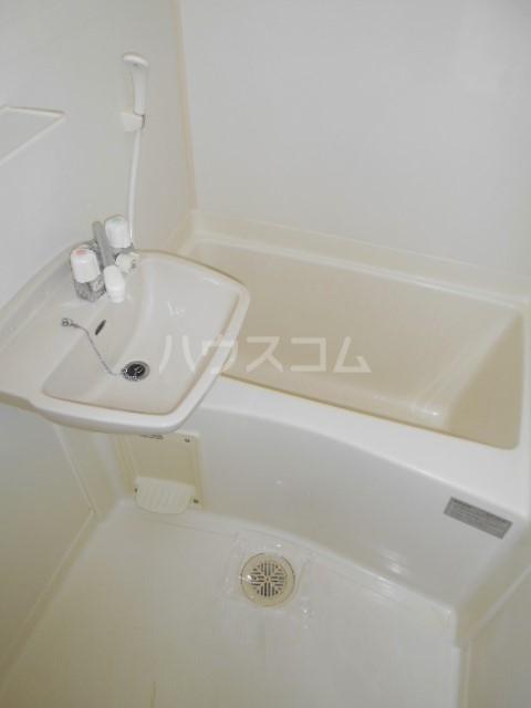 プラモンターニュ 205号室の風呂