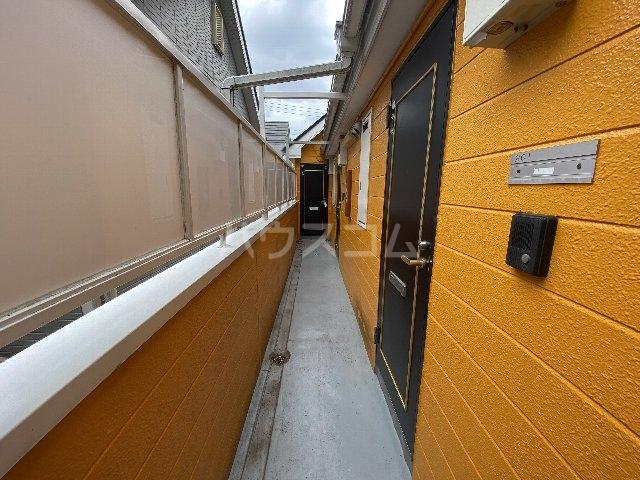 ウィニング谷塚 203号室の居室